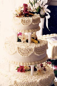 Current Cuisine Wedding Cake 01