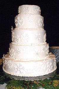 Current Catering Wedding Cake 04